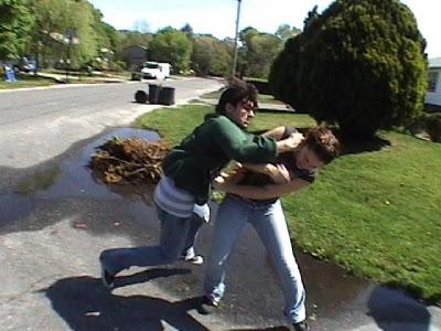 garotas-brigando-escola